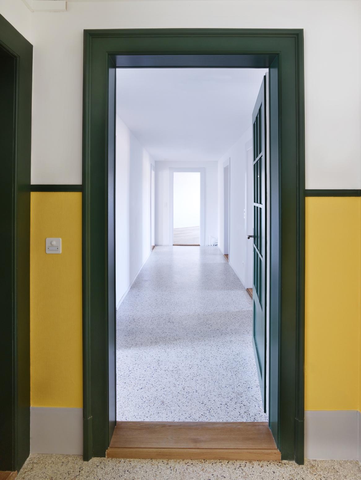 329 5 Eingang Wohnung